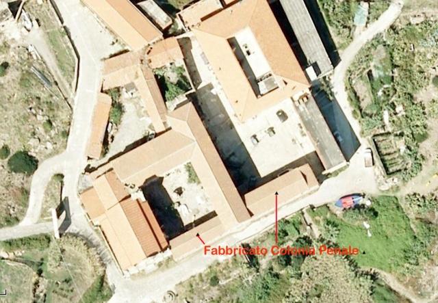Veduta aerea del complesso chiesa e convento, oggi (da Google Map)